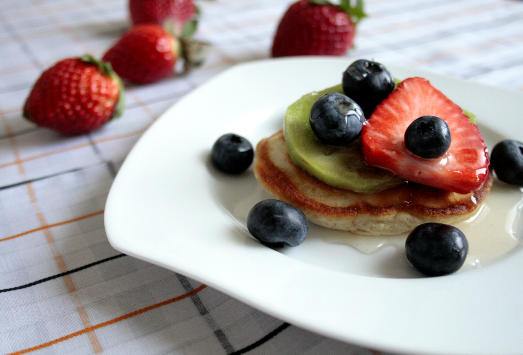 MG_5361-Low-FODMAP-American-style-pancakes
