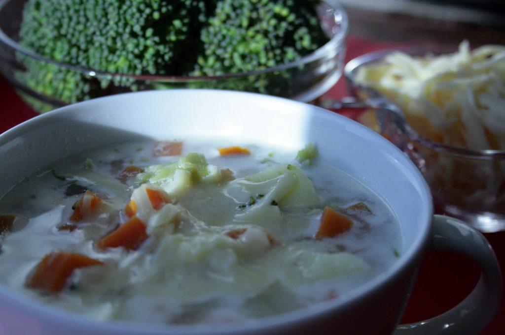 Low FODMAP zupa brokułowa z serem