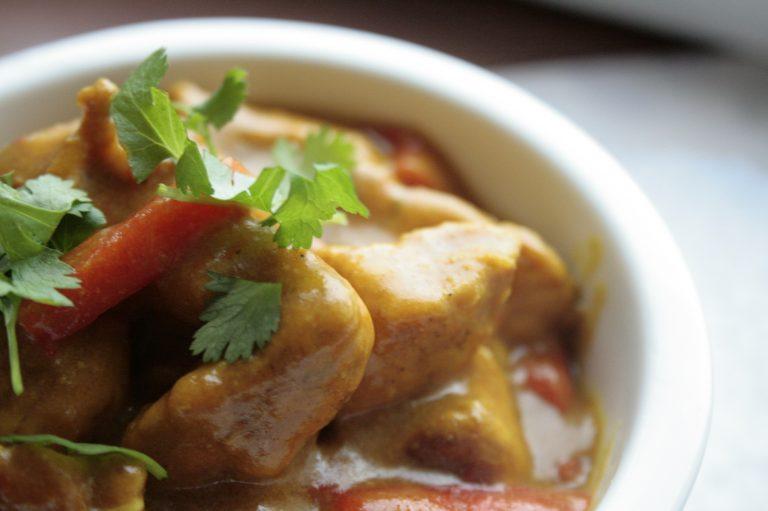Low FODMAP kurczak korma curry