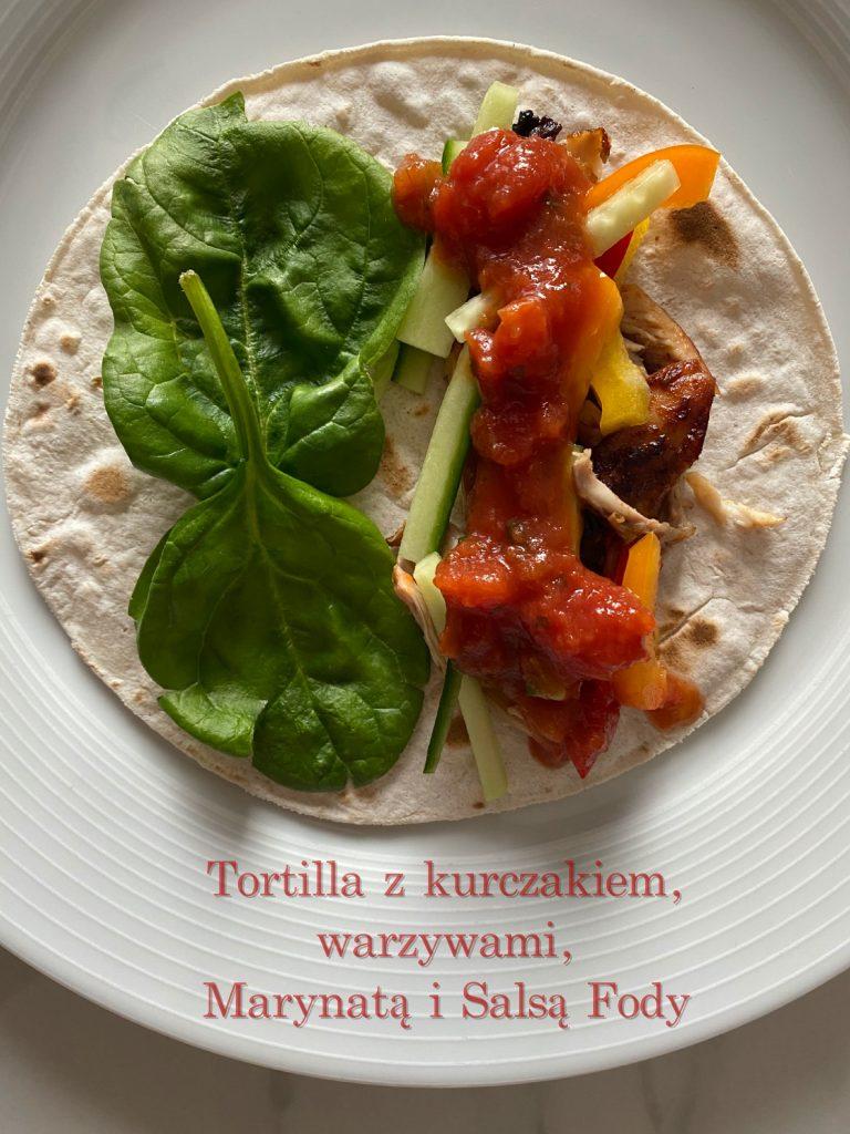 Tortilla z Kurczakiem, Marynatą i Salsą Fody